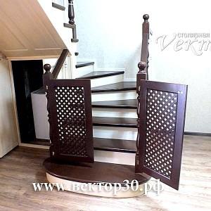 детская безопасность.Защита от падения детей с лестницы,лестницы недорого в Астрахани и Атырау из сосны,ясеня,бука.дешёвые лестницы