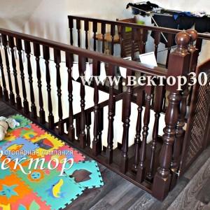 Лестницы в дом недорого в Астрахани на заказ из ясеня,сосны,бука