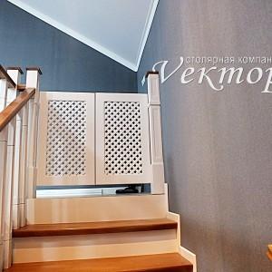 Лестницы в дом недорого в Астрахани на заказ из ясеня,сосны,бука.Детская безопасность,защита от падения детей с лестниц