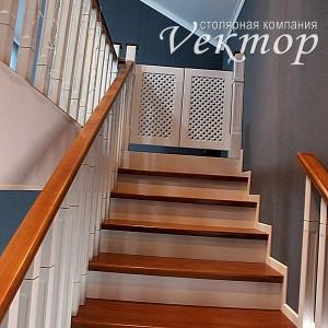 детская безопасность.Защита от падения детей с лестницы,лестницы недорого в Астрахани из сосны