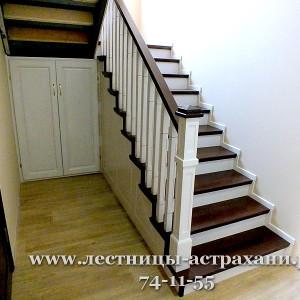 лестница из дерева в дом в Астрахани. www.лестницы-астрахани.рф. www.вектор30.рф